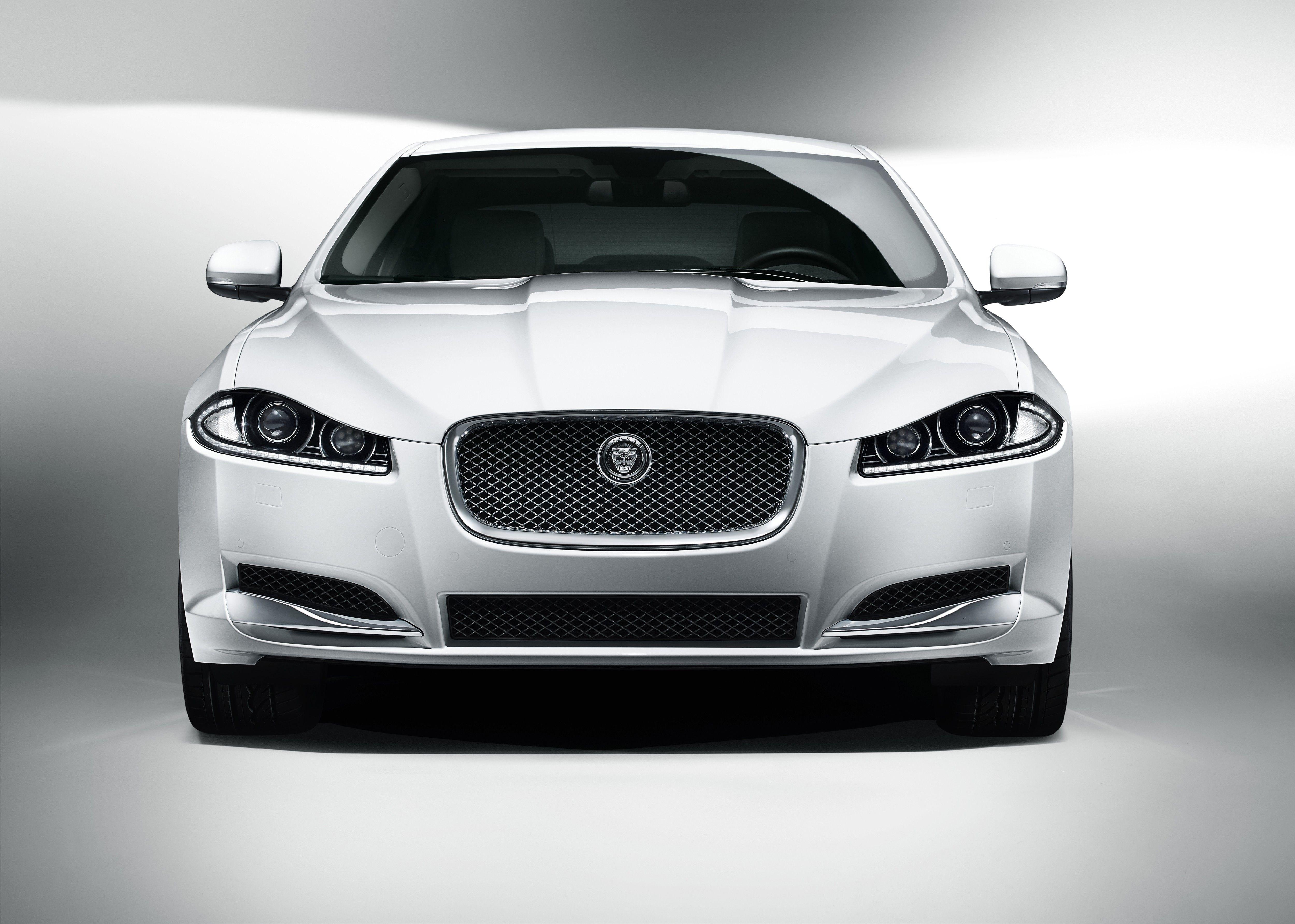 2015 Jaguar Xf Front View