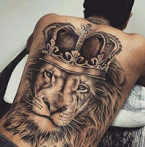 10 Tatuaje de leon en la espalda
