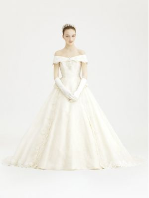 Off-the-Shoulder Vintage Victorian Style Wedding Dress | My Medieval ...