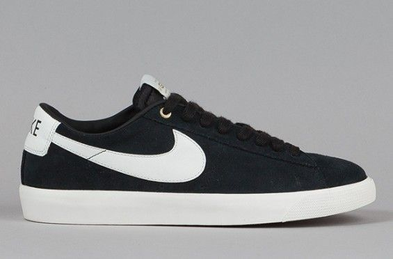 nike blazers black low wedge