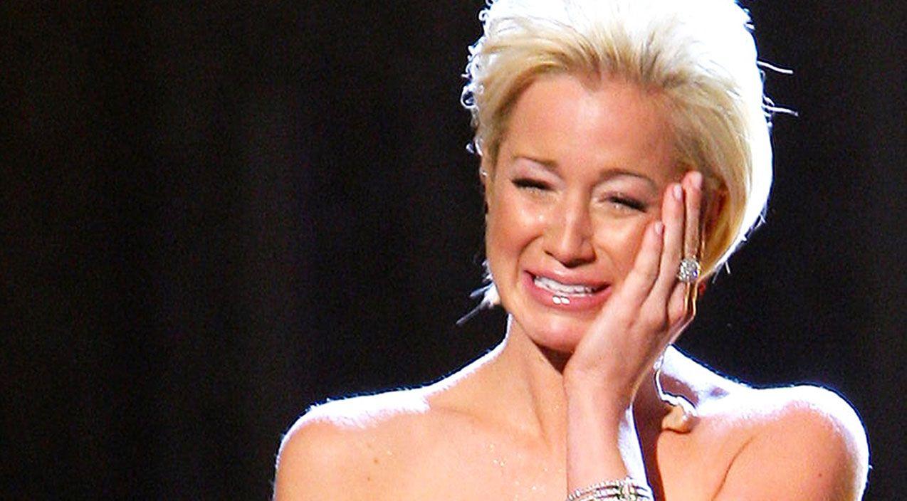 Kellie Pickler Gives Heartbreaking Performance Of \'I Wonder\' At CMA ...