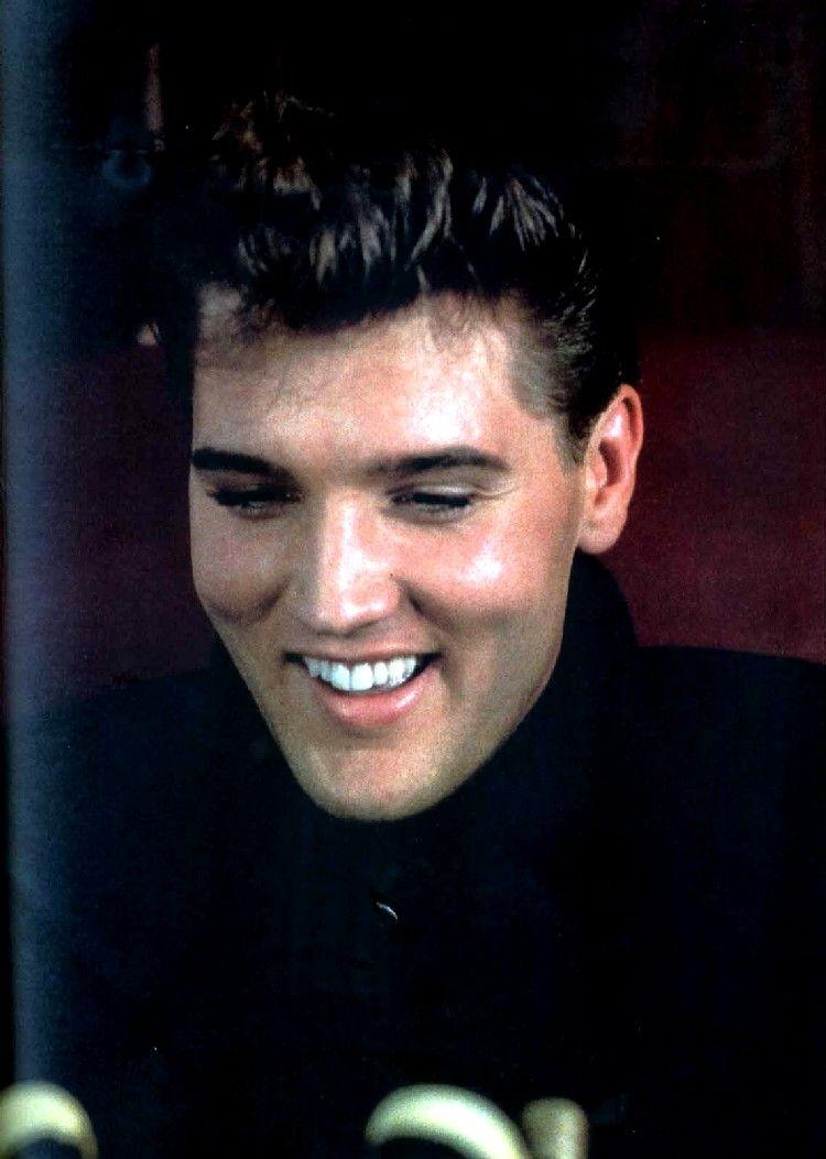 Elvis Presley - The King of Rock 'N Roll