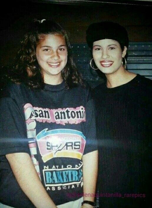 f8f1185978da Rare Selena photo with a fan wearing a San Antonio Spurs T-shirt ...
