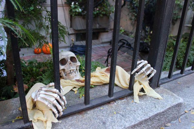 Halloween Decor- Upper East Side New York City Sights Pinterest - halloween decor images