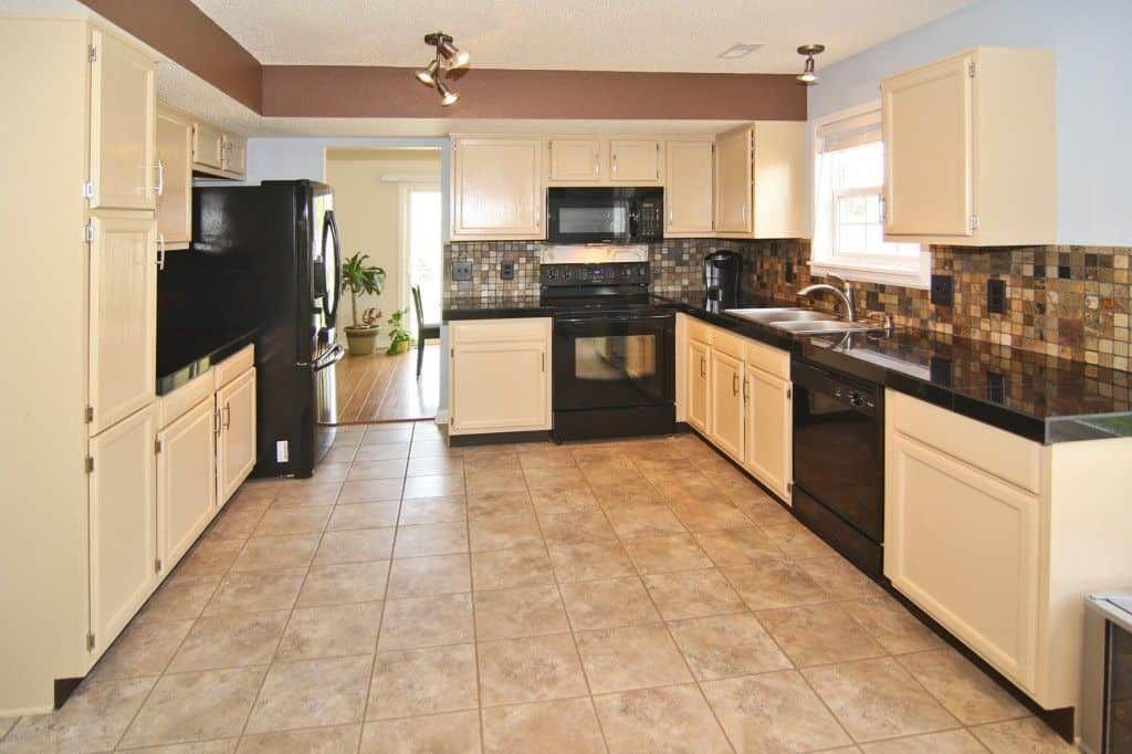 Cleaning Your Black Kitchen Appliances   Black appliances ...