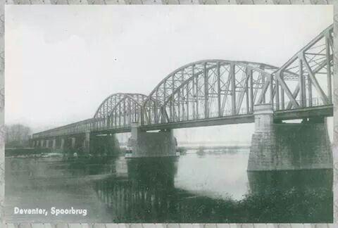Oude spoorbrug.