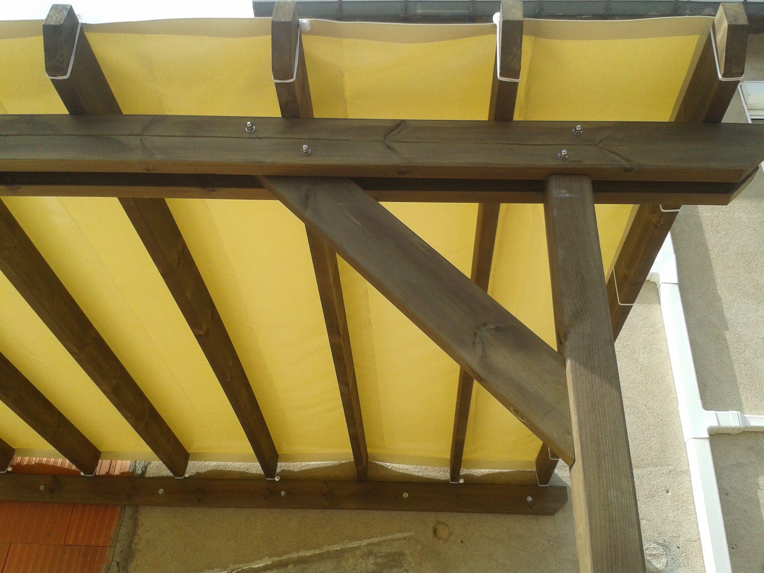 La b che tendue tanche ou micro perfor e est id al pour couvrir votre terrasse en bois bois for Couvrir une terrasse