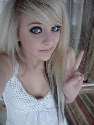 girl Cute teen blonde emo