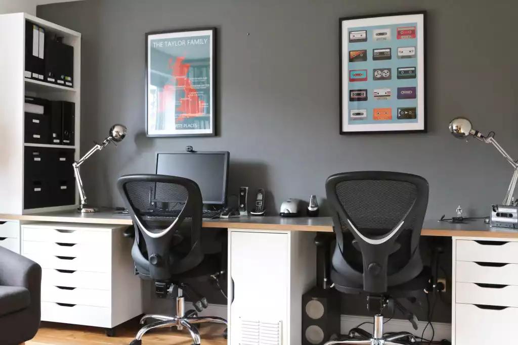 Je suis récemment passé d un bureau perdu dans un coin du salon à