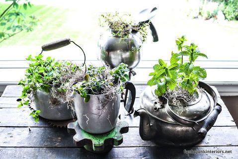 15 flea market finds turned garden decor :: Karen Creel's clipboard on Hometalk | Hometalk