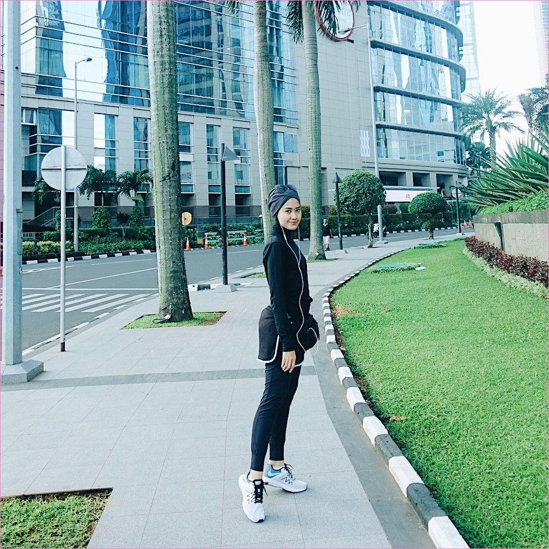 Outfit Baju Hijab Casual Untuk Olahraga Ala Selebgram 2018 Jaket Hoodie Sweater Celana Pendek Legging Training Turban Sl Baju Olahraga Olahraga Gaya Berpakaian