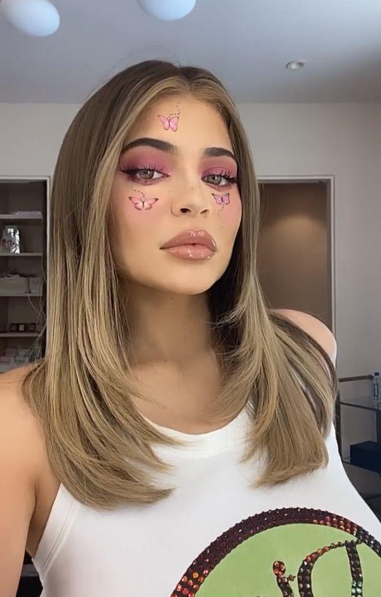 Pin By Jaquelin Esmeralda On Hair In 2020 Kylie Hair Kylie Jenner Hair Kylie Jenner Blonde