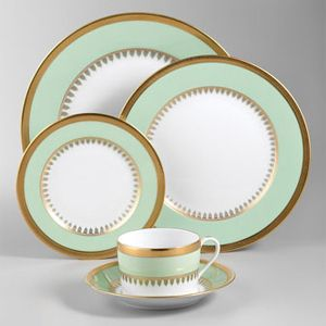 Gold: A Timeless Choice For Wedding China