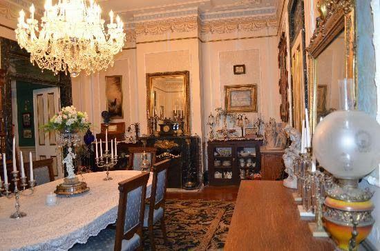 Antebellum Interiors With Southern Charm Ya Ll Antebellum Home Victorian Interiors Dolls House Interiors