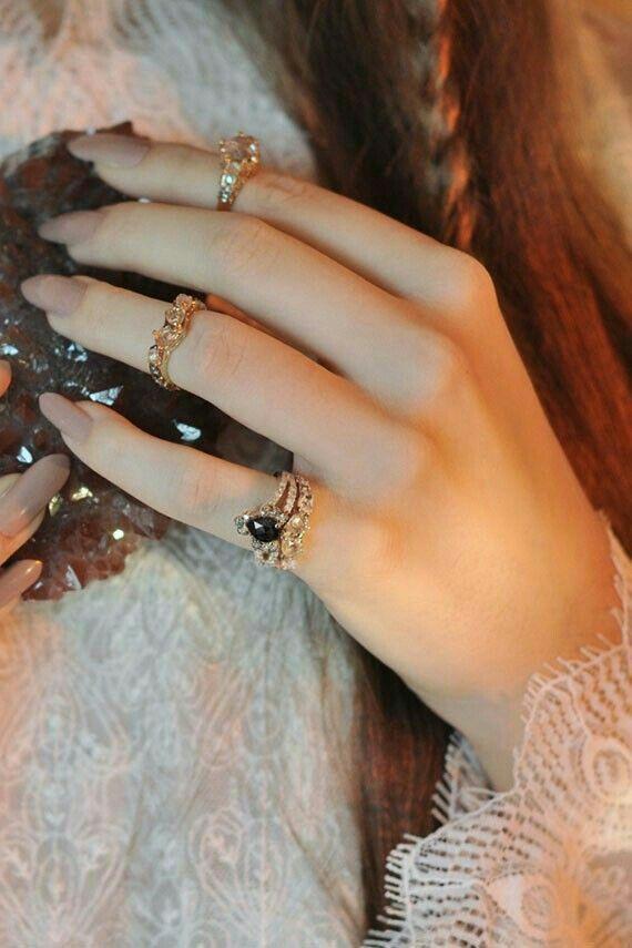 Pin by Àìźà Ķhàñ on Ŕíñğś | Pinterest | Beautiful hands, Stylish ...