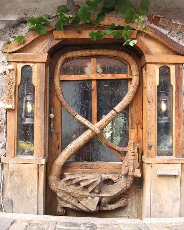 I would love to have this door!!!