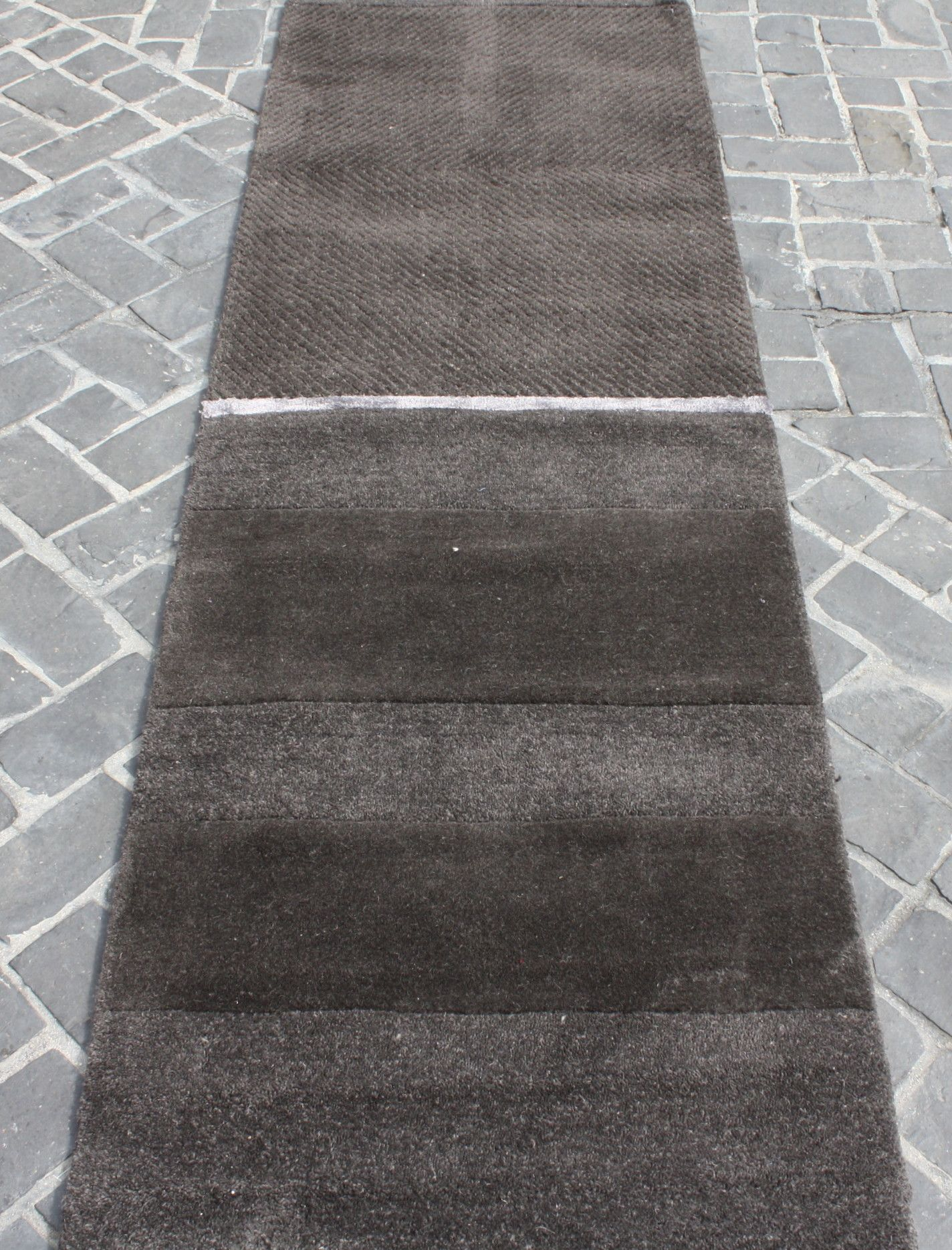 Nourison Contemporary Calvin Klein Ck205 Val01 Onyx 2 X 8 Wool Runner Price 190 00 Discontinued Line Shop On Our Ebay Rugs Rug Warehouse Clearance Rugs