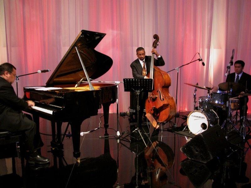 Jeremy Monteiro Jazz Trio with Christy Smith on bass and