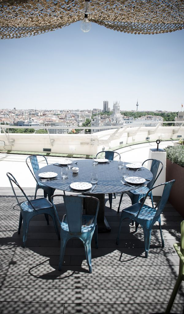Have Some Delicious Food While Enjoying The Best Views Of The City Roof Top Cafe Outdoor Spaces Outdoor Furniture Sets