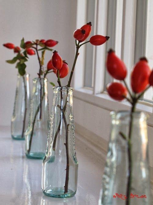 White Dreams: Fensterbank-Deko in ROT #herbsttischdekorationen