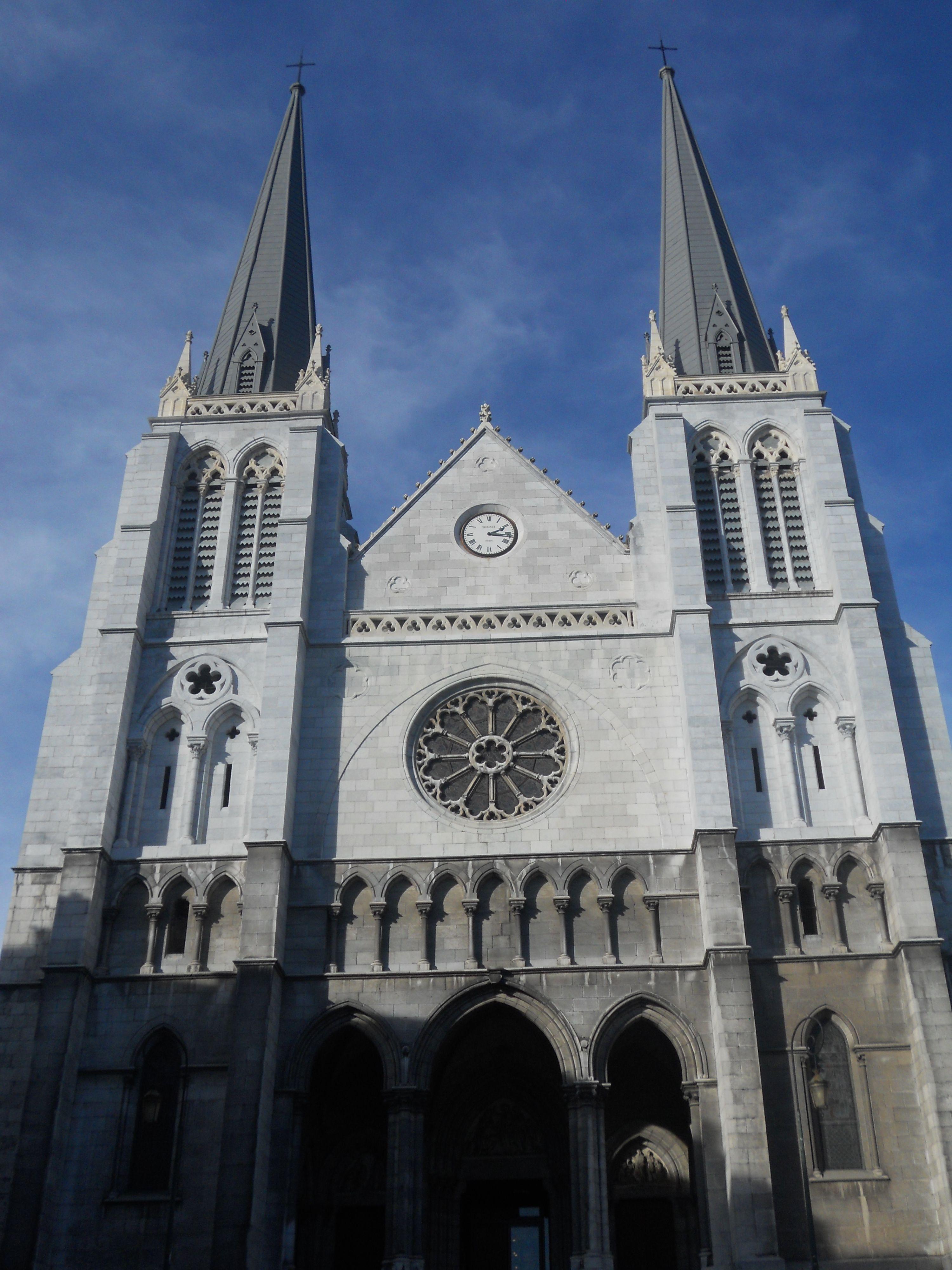 Eglise Saint-Jacques -- PAU