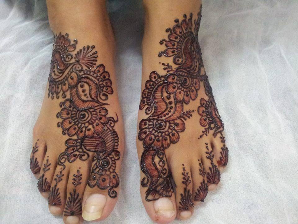 Mehndi For Foot : Laraibs mehndi design designs for feet pinterest
