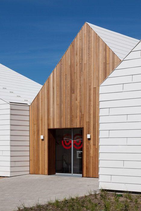 Holzverkleidung Fassade Arten livsrum cancer counselling centre by effekt architecture modern