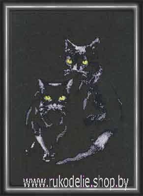 Вышивка котов на черной канве 197
