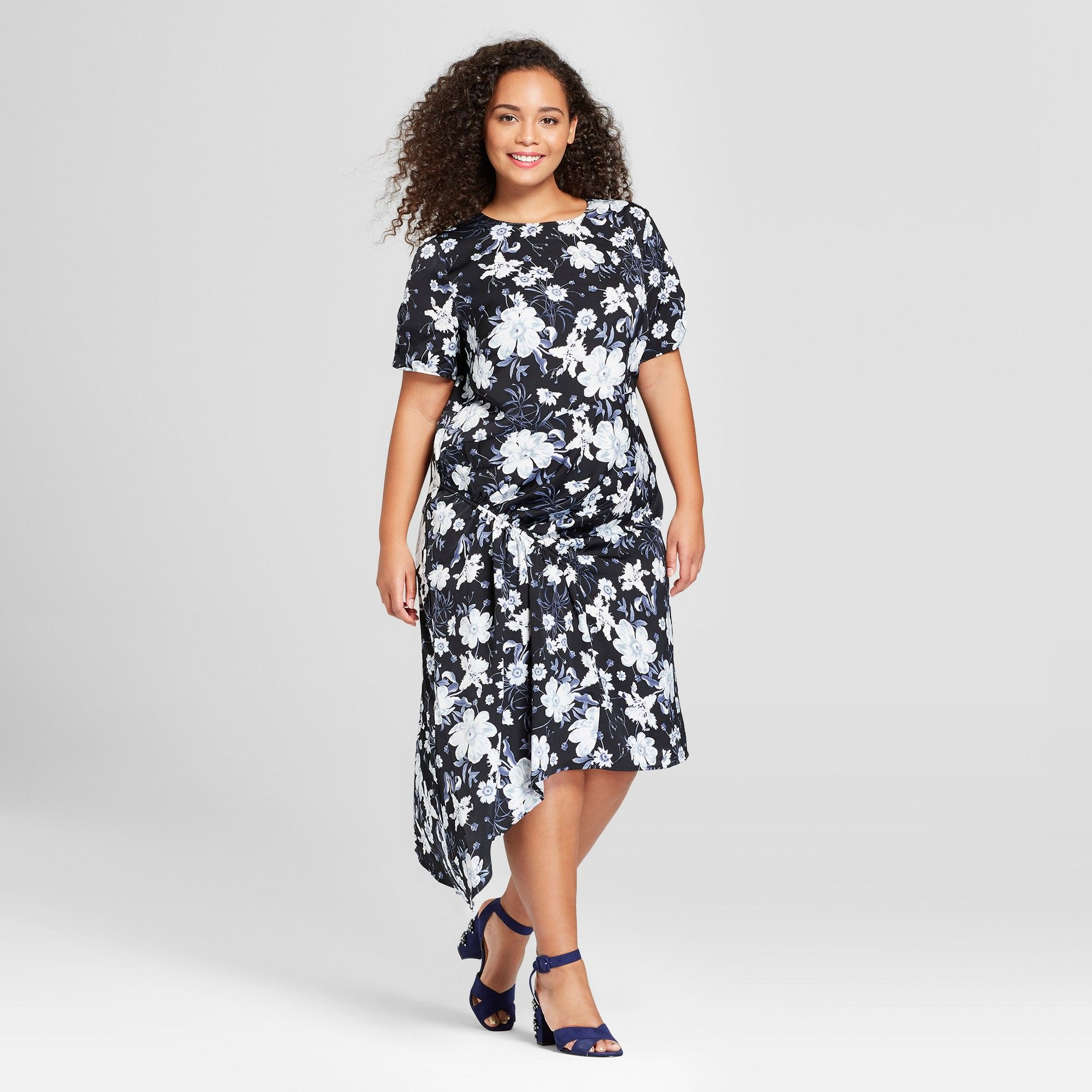 24a01b82b96 Women s Plus Size Short Sleeve Asymmetric Shirred Midi Dress - Who What Wear  Black Floral 1X