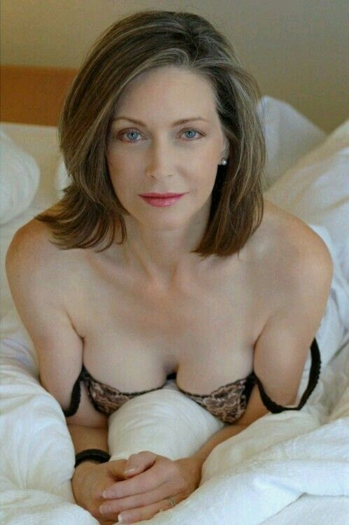 Mature huge tits videos