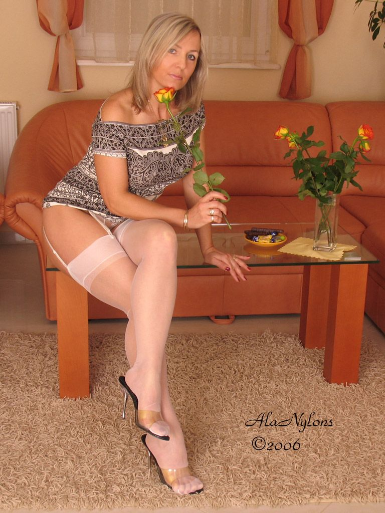 BY LEGS CROSSED ADDICT Stacey Mom Pinterest Legs