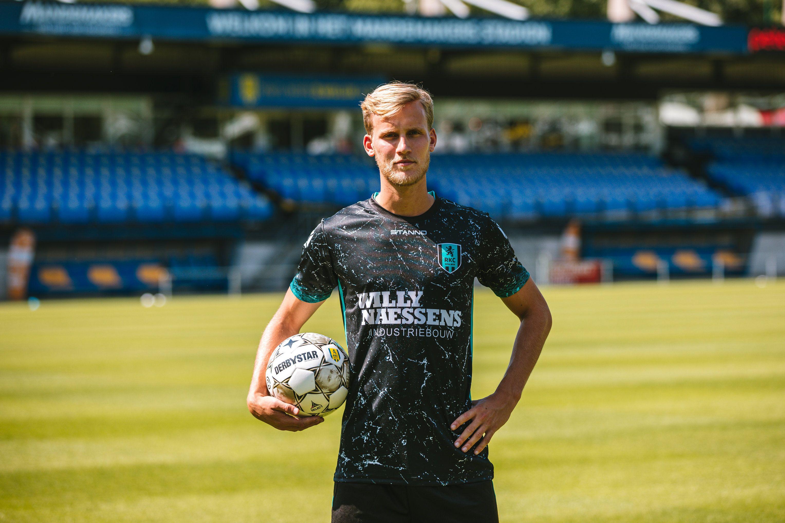 Pin op Voetbalshirts Eredivisie 2020/2021