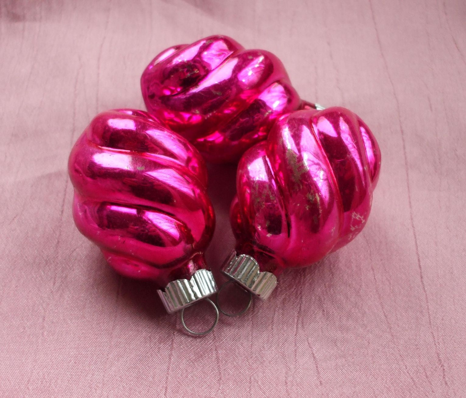 Shiny Brites - vintage Christmas tree ornament, snails, aka twists