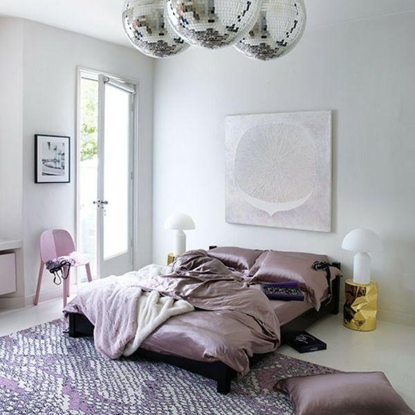 Schlafzimmer komplett gestalten seide lila luxus | Schlafzimmer ...