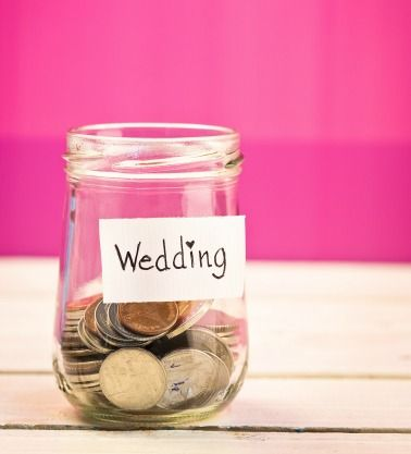 A newly married couple decided to let a guest know that they were left unsatisfied by her monetary wedding gift.