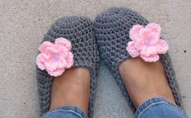 häkelmuster gehäkelte schuhe rosa blume knopf | Hobby | Pinterest ...