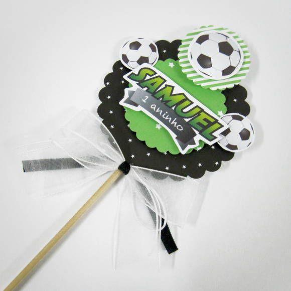 Decore o seu bolo de aniversário com este lindo e delicado Topper de Bolo  personalizado Futebol f06b78748111f