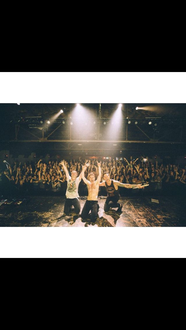 New Politics at Cains Ballroom! I'm in this picture!!