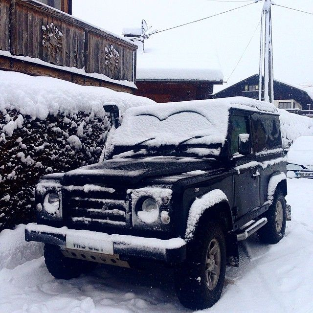 #landroverdefender#megeve#snow#thefrenchalps by laurennedorgan #landroverdefender#megeve#snow#thefrenchalps