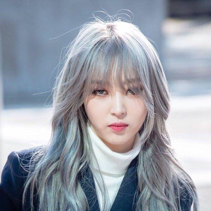 Moonbyul Silver Hair Mamamoo Kpop Hair Color Silver Hair Kpop Hair