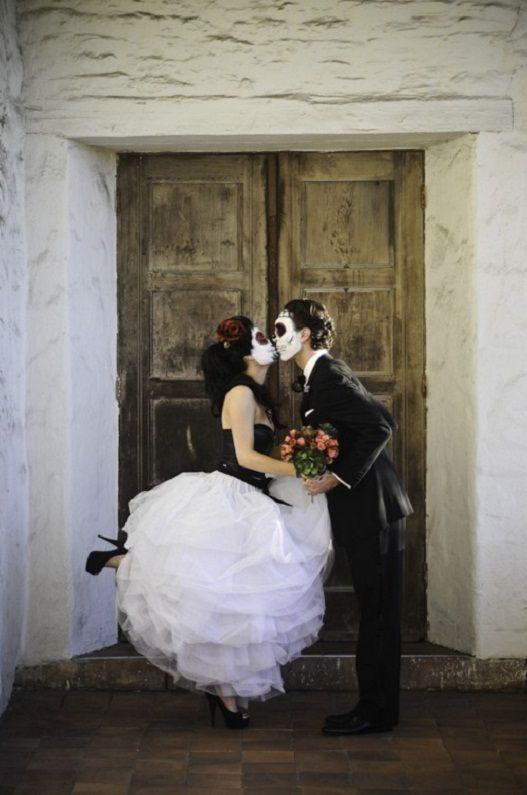 7 Ways to Plan a Dia De Los Muertos Wedding... | Dia de, Wedding and ...