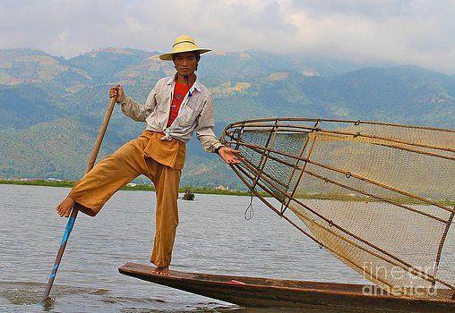Gail Palethorpe - Fishermen of Inlet Lake Myanmar 3