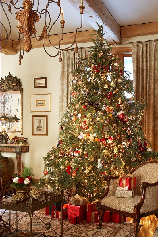 Comfortable And Inviting Home For The Holidays Christmas