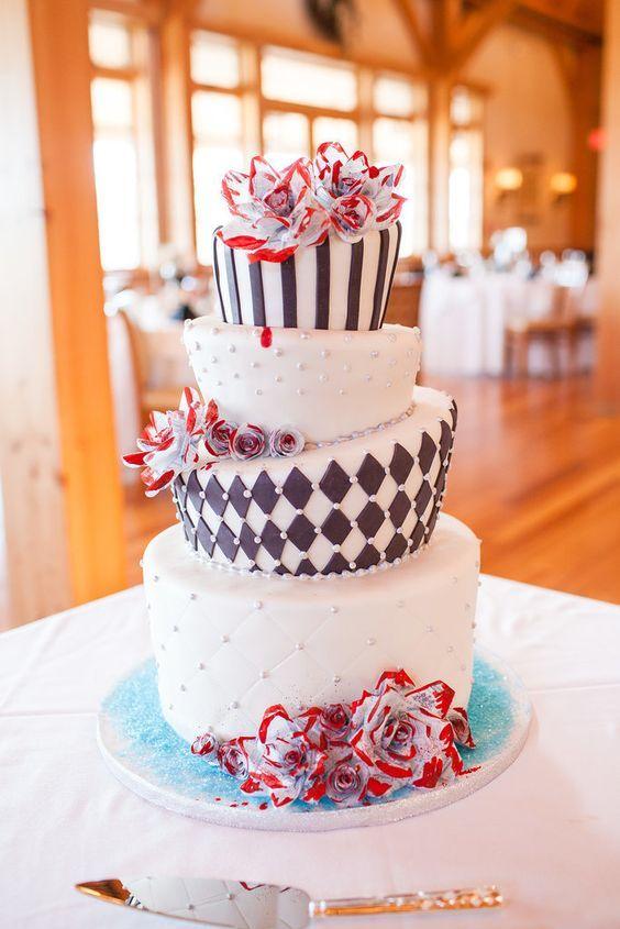 Lovely Alice In Wonderland Cake Http Www Deerpearlflowers Com