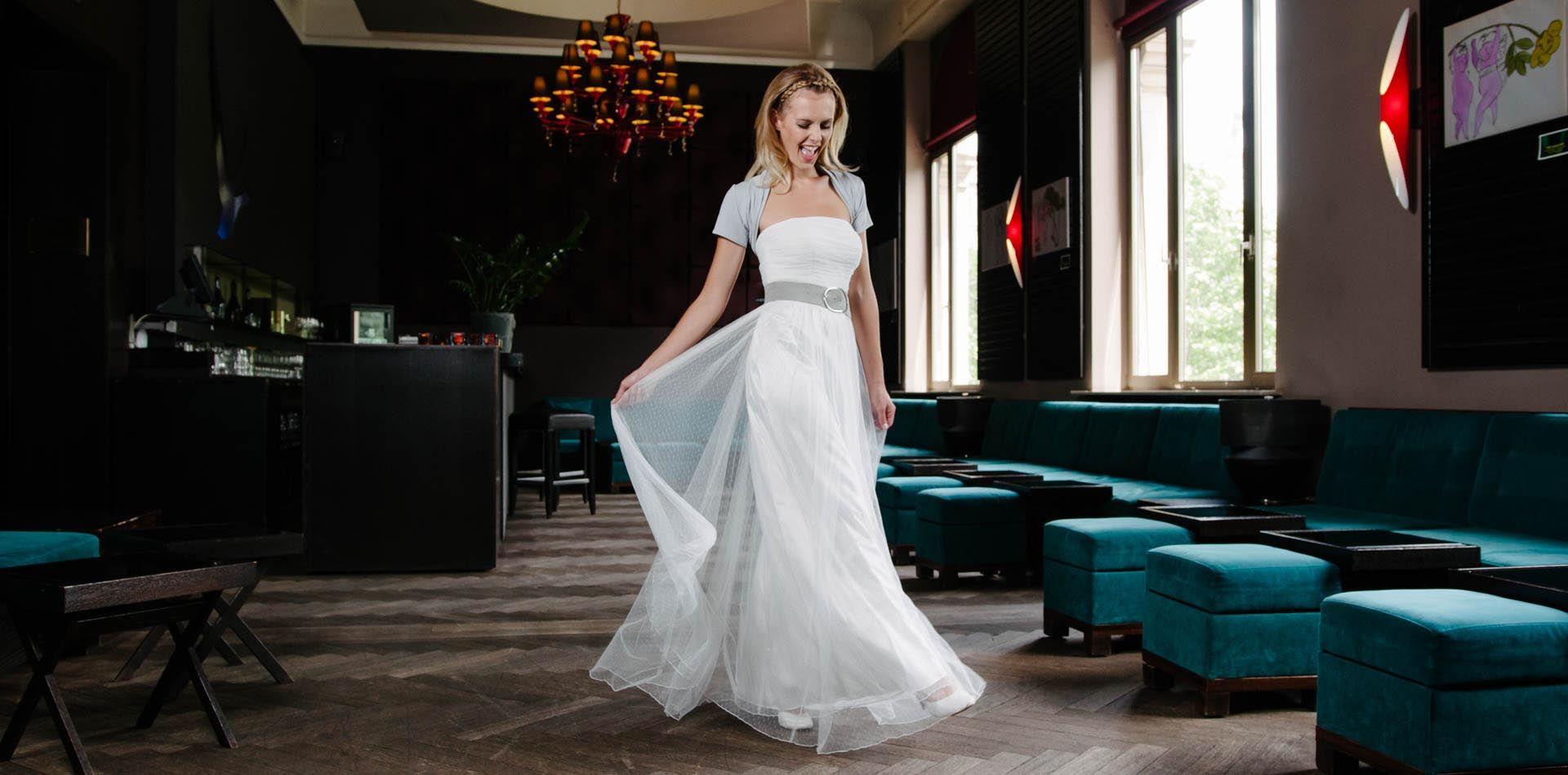 Hochzeitskleid schlicht in Punkte-Tuell – Dottie | Unbedingt kaufen ...