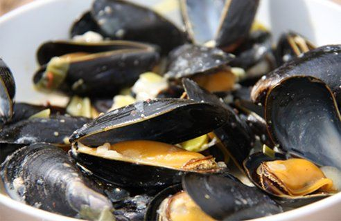 Mussels with cider, green onions and bacon
