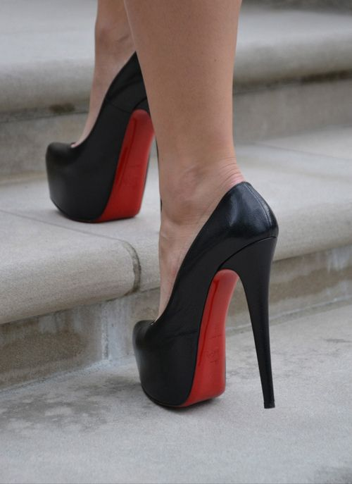 louboutin chaussures luxe