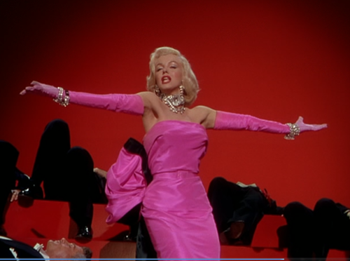 Marilyn Monroe, Gentlemen Prefer Blondes Gown Designed by William Travilla The late designer says of the dress in the book. Dressing Marilyn...