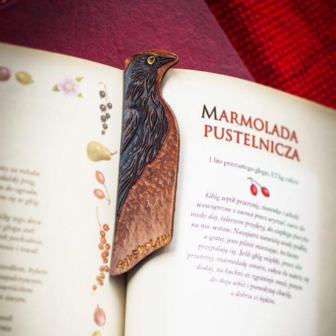 #handmadegifts #ravenclaw #bookmark #leatherwork #raven #christmasgiftideas#etsysellersofinstagram