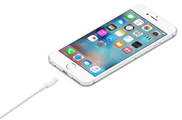 3 Raisons Pour Lesquelles Apple S Accroche Au Lightning Iphone Iphone 6 Iphone 7